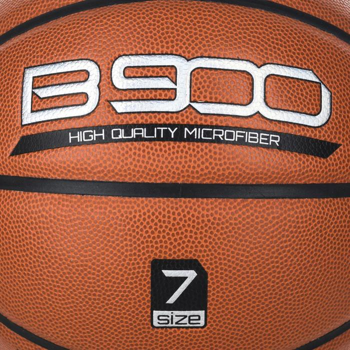 B900 Size 7 Basketball - Brown. Microfibre. From age 14.