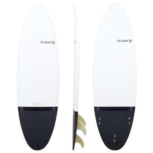 Planche de surf rigide 5'10'' shortboard 900 . Livrée avec 3 ailerons.