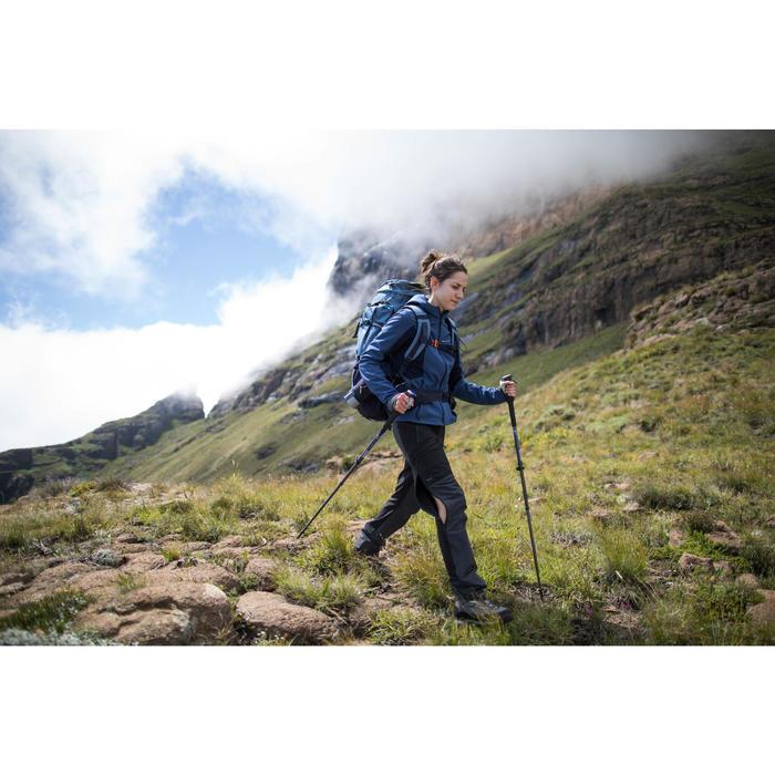 Chaqueta softshell trekking montaña TREK 900 WINDWARM mujer azul