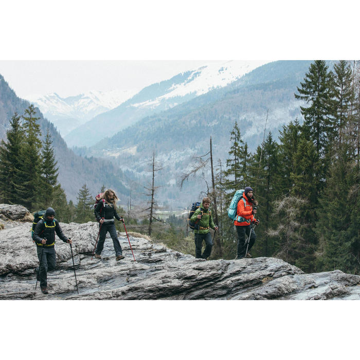 Chaqueta acolchada trekking en montaña TREK100 CAPUCHA hombre negro