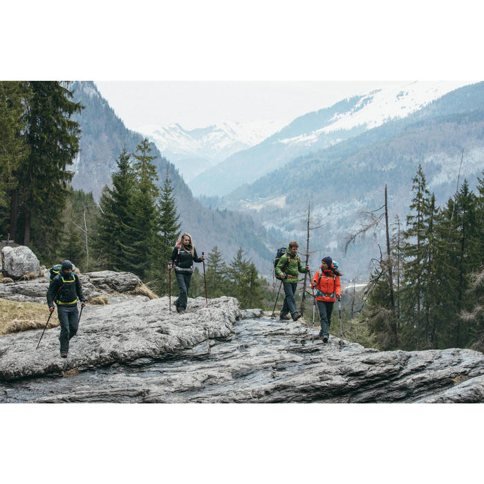 Chaqueta acolchada trekking en montaña TREK 100 mujer negro
