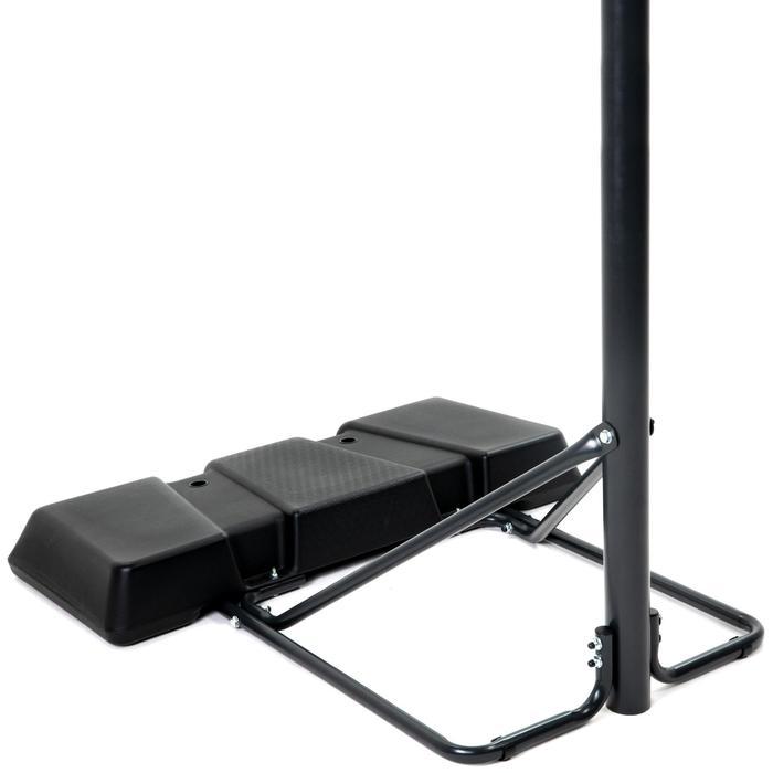Panier de Basket B100 noir pour enfant et adulte. Se règle de 2,20m à 3,05m.