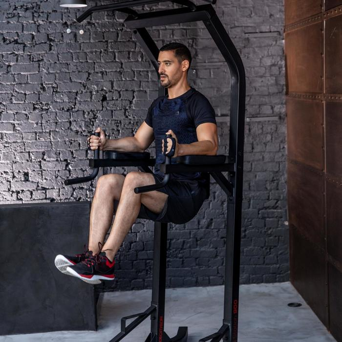 Power tower training station 900