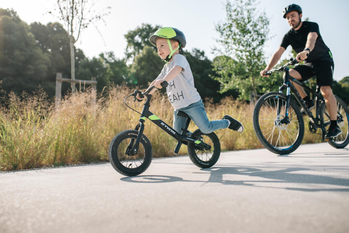 LET RIDE BIKE WITH YOUR KIDS !