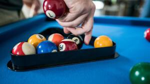 Hoe goed breaken bij pool - rode bal