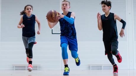 Chaussures de basketball tenue enfant