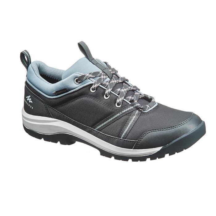 2c8e352766487 Zapatillas de senderismo naturaleza NH150 Protect gris mujer Quechua ...
