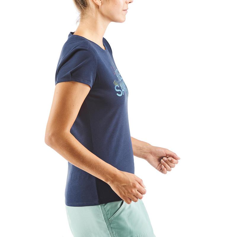 เสื้อยืดผู้หญิงสำหรับใส่เดินในเส้นทางธรรมชาติรุ่น NH500 (สีกรมท่า)