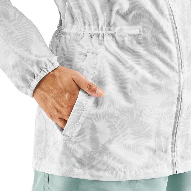 เสื้อแจ็คเก็ตกันน้ำเพื่อการเดินป่าธรรมชาติสำหรับผู้หญิงรุ่น Raincut Zip (สีขาว)