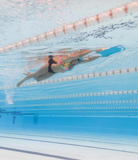 Pourquoi choisir la natation pour affiner ma silhouette ?