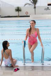Maillot de bain de natation femme une pièce Riana Eve corail blanc