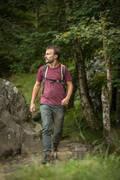PÁNSKÉ KALHOTY NA NENÁROČNOU TURISTIKU Turistika - Kalhoty NH 500 Slim khaki QUECHUA - Turistické oblečení