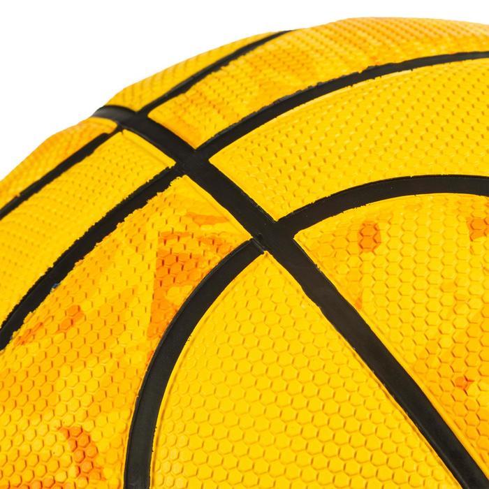 Balón de baloncesto hombre R300 talla 7 amarillo a partir de 13 años iniciación.