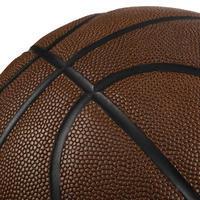 """Pieaugušo 7. izmēra labas saķeres basketbola bumba """"BT500"""". Laba bumbas izjūta"""
