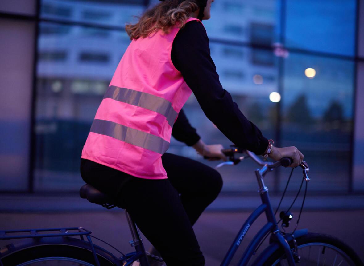Bien s'équiper pour circuler à vélo la nuit