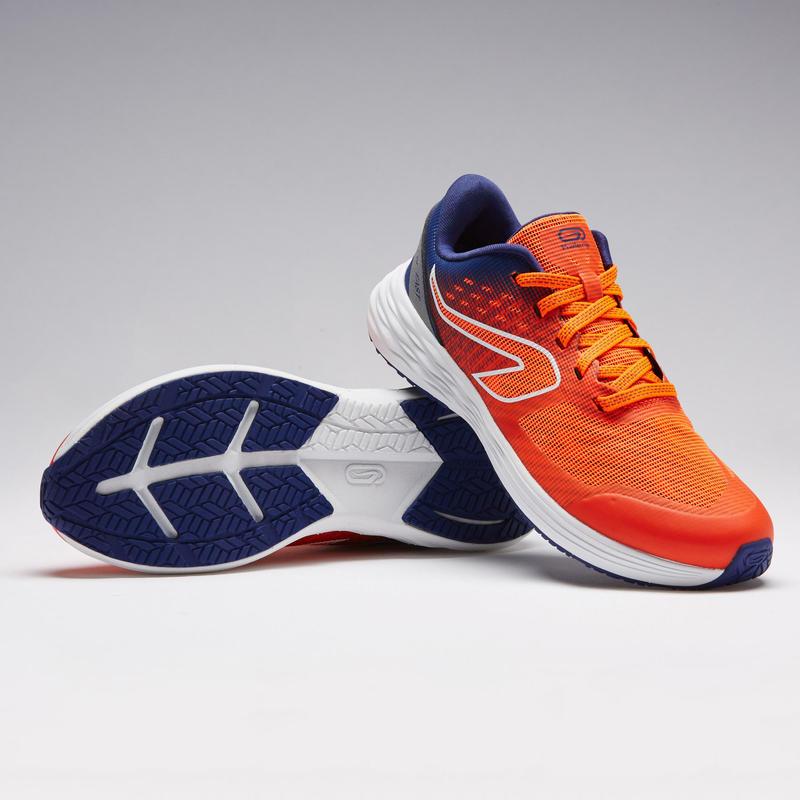 รองเท้ากรีฑาสำหรับเด็กรุ่น KIPRUN (สีแดง/น้ำเงิน)