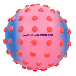 Pelota pequeña acuática para bebé rosa puntos naranja