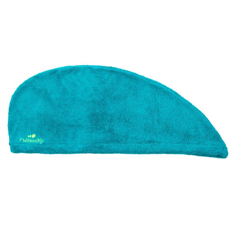 Toalla de microfibra azul suave para el pelo