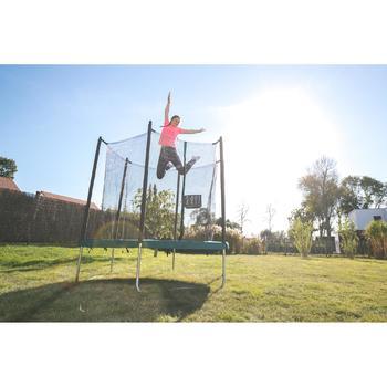 Trampoline 240 pour accompagner l'apprentissage des sauts de base.