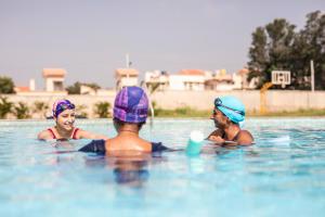 how to choose swim cap