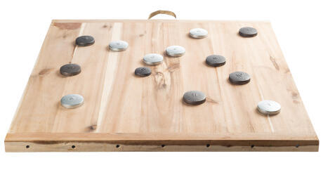 La planche de palet et les palets pour jouer au jeu de palets breton