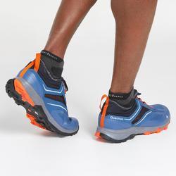 Schoenen voor fast hiking FH500 blauw oranje