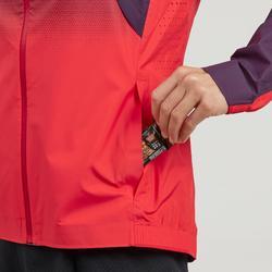Veste de randonnée rapide femme FH 900 Hybride rouge prune