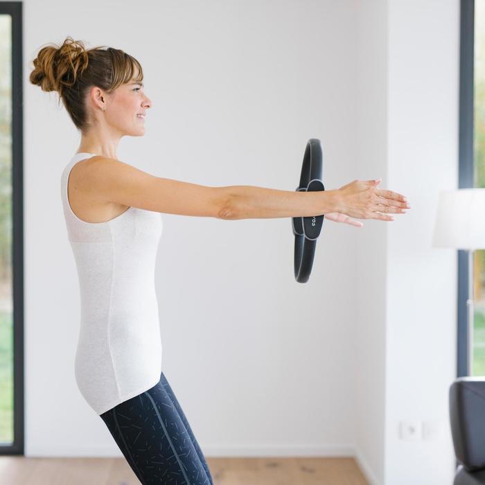 Damestopje 560 voor pilates/lichte gym, ingewerkte beha, zwart