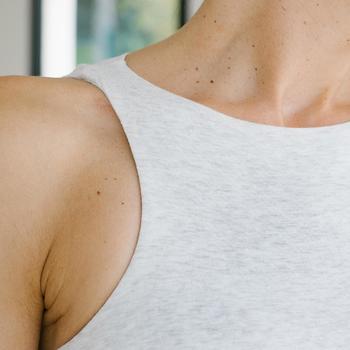 女款溫和健身與皮拉提斯內置罩杯背心560 - 黑色