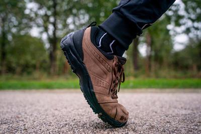 أحذية المشي Nakuru لمسافات طويلة -رجالي - جلد بني