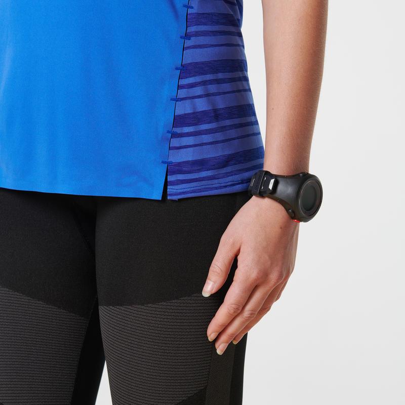 เสื้อยืดใส่วิ่งสำหรับผู้หญิงรุ่น KIPRUN LIGHT (สีน้ำเงิน)