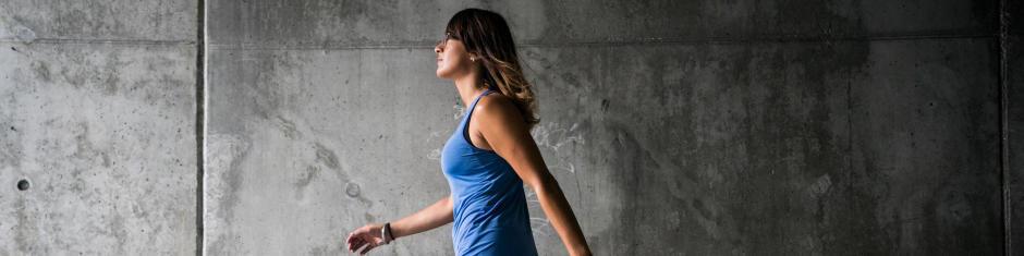 Marche-rapide-sport-santé-bon-geste-éviter-blessures-bienfaits-la-parisienne