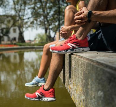 Marche-rapide-sport-santé-bon-chaussure-adapté-flexible-confortable