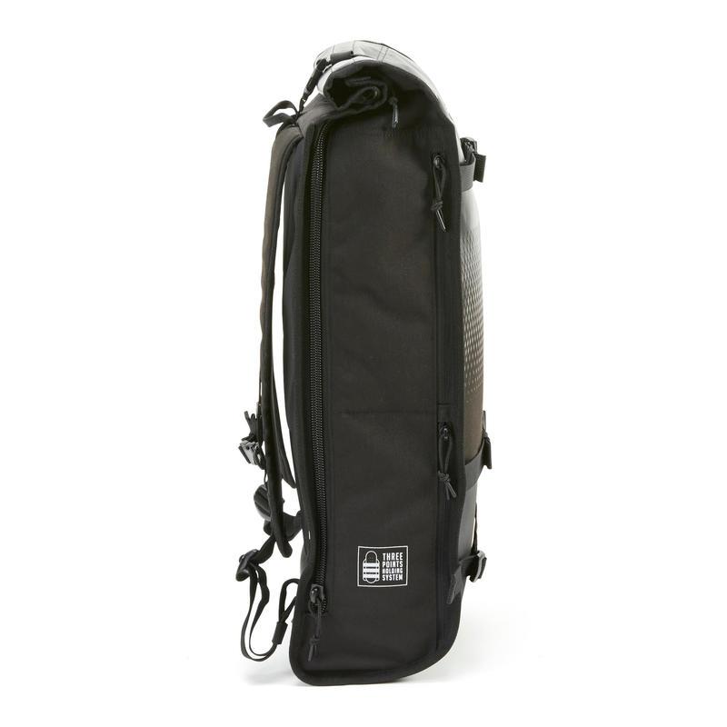 เป้สะพายหลังสำหรับใส่สเก็ตบอร์ดรุ่น BG500 ขนาด 25 ลิตร (สีดำ)