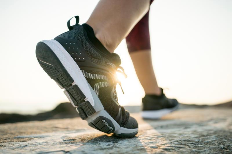 รองเท้าใส่เดินเพื่อสุขภาพสำหรับผู้หญิงรุ่น PW 540 Flex-H+ (สีดำ)