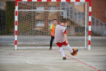 Foam Futsal Ball Wizzy Size 4 - Orange/Black