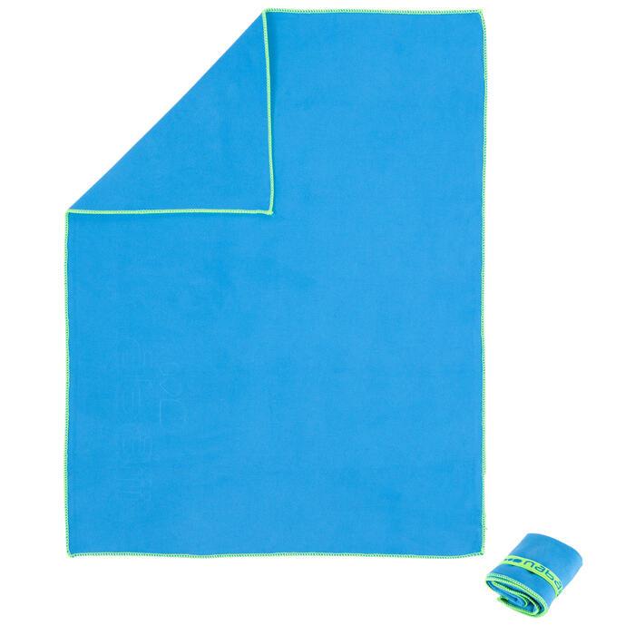 Serviette microfibre bleu ultra compacte taille S 42 x 55 cm