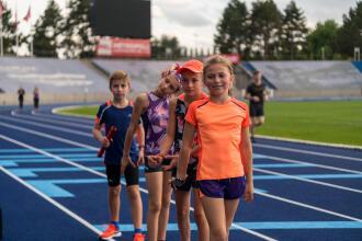 athletics choosing children's athletics outfit