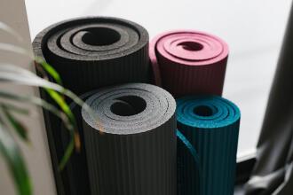 plusieurs type de tapis roulés