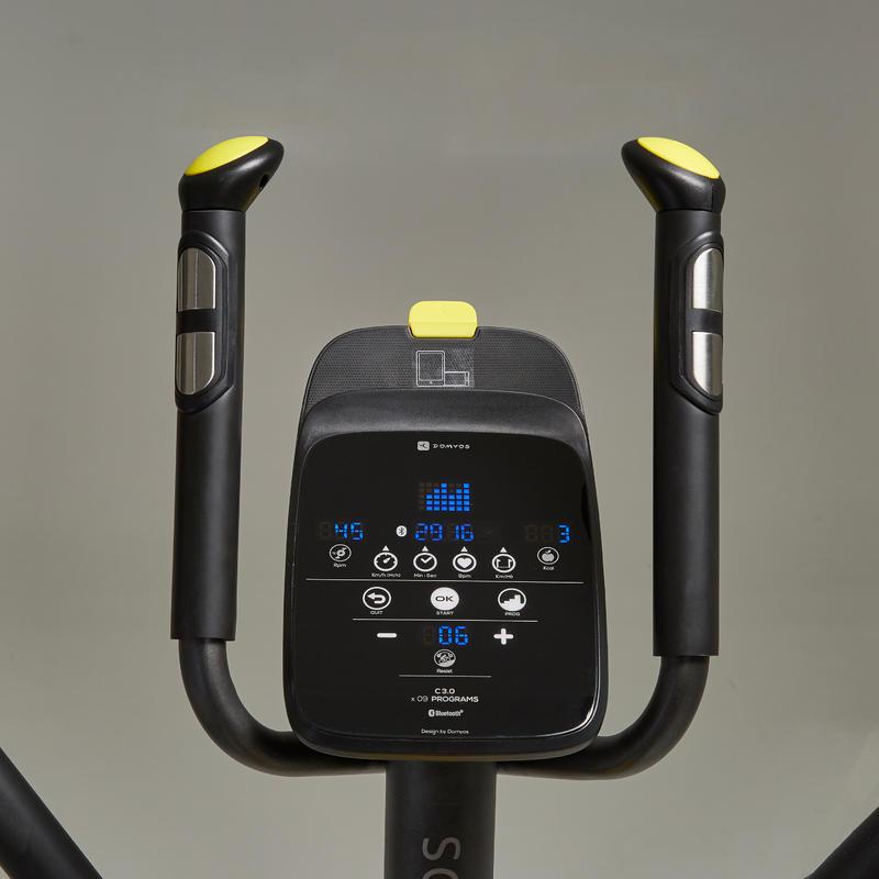 เครื่องออกกำลังกายรุ่น EL 500 ที่สามารถใช้งานร่วมกับแอพ E-Connected ได้