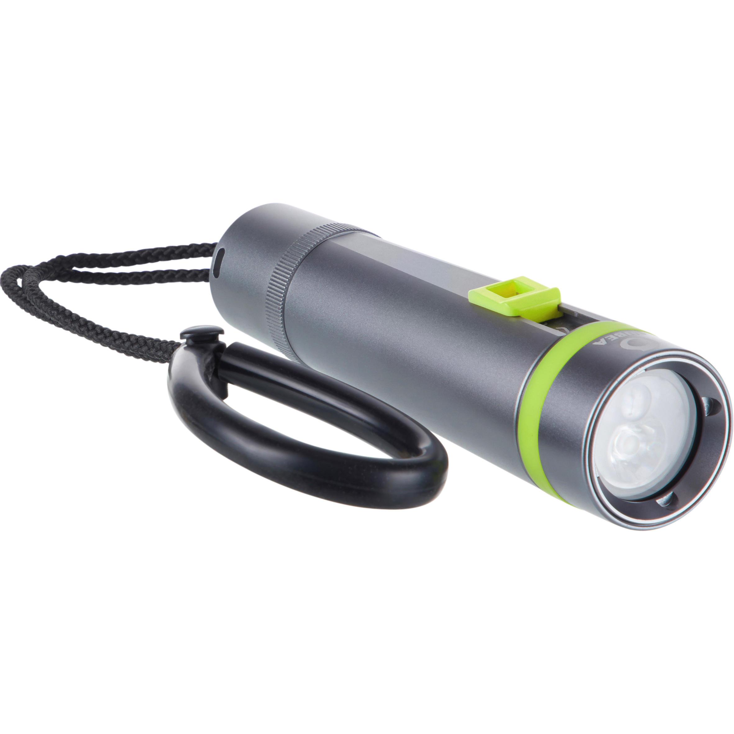 Subea Duiklamp SCD 400 lumen, 2700 lux, 2 standen kopen? Leest dit eerst: Duikhorloges en duiklampen Duiklamp met korting