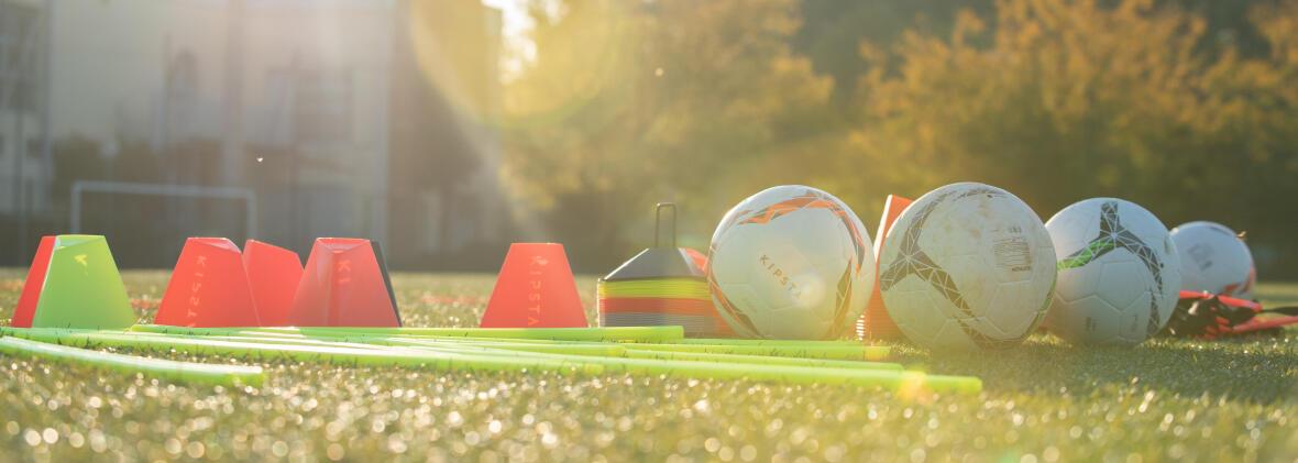 LES DIFFERENTS POSTES AU FOOTBALL