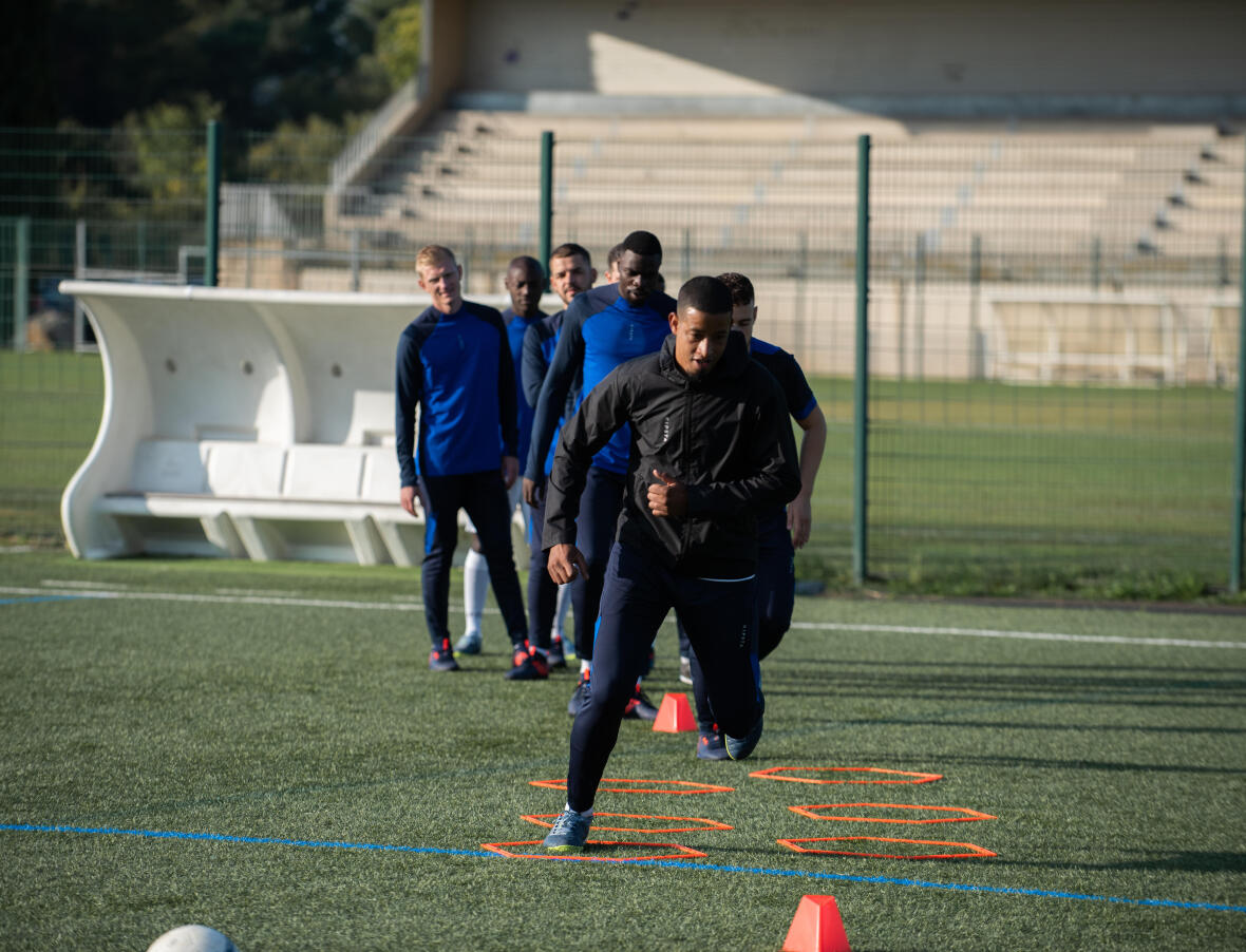 Fitness training for football: training drills and programmes