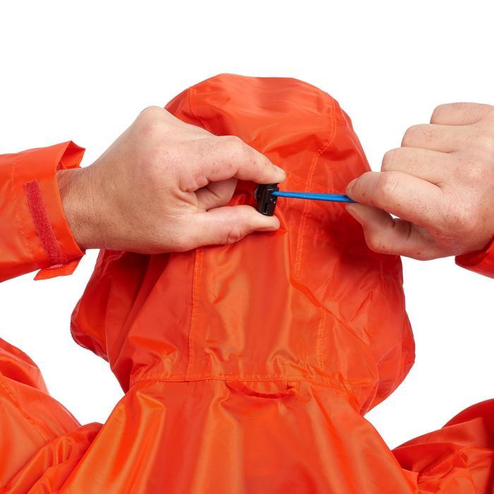 Regenponcho voor trekking Forclaz 75 l maat L/XL rood