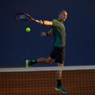comment-realiser-un-bon-revers-a-une-main-au-tennis
