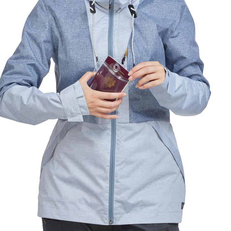 แจ็คเก็ตผู้หญิงขนาดกะทัดรัดสำหรับการเทรคกิ้งรุ่น Travel100 (สีฟ้า)