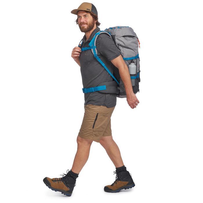 Polo de manga corta trekking TRAVEL 100 hombre gris
