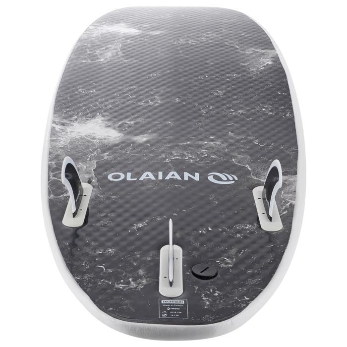泡棉衝浪板900 6'。附3片板舵。