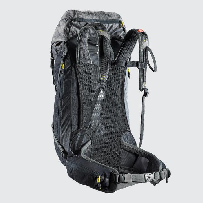 Mochila de Montaña y Trekking MH500 30 Litros Gris Caqui