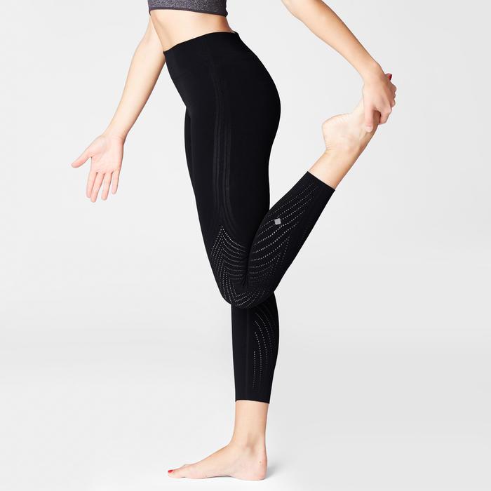 Technische yogalegging zwart met geperforeerde motieven